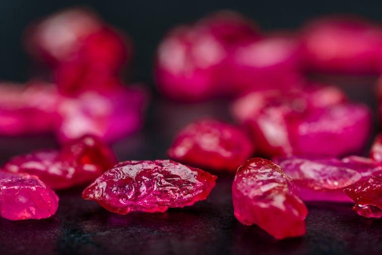 Collection de rubis non taillés
