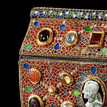 Coffret reliquaire de Teudéric à l'Abbaye de St Maurice |Lithothérapie en Ligne