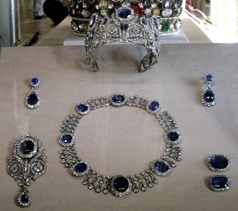 Parure de Saphirs de la Reine Marie-Amélie