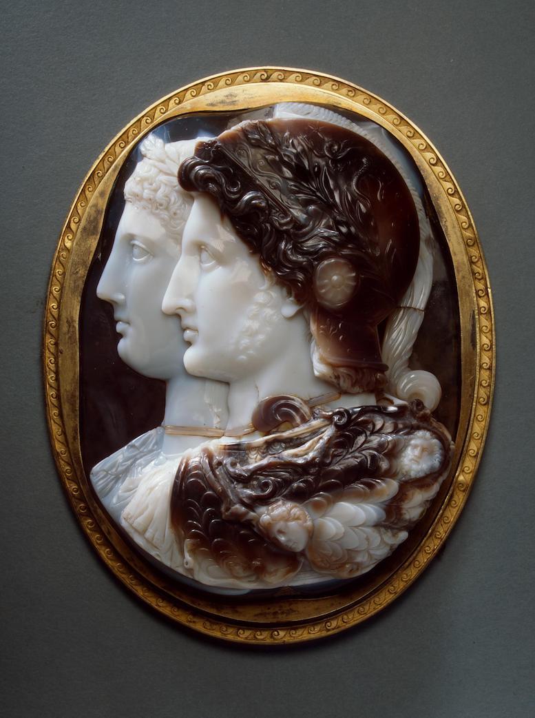 Camée des Gonzague ou camée Malmaison, Ptolémée et Arsinoé