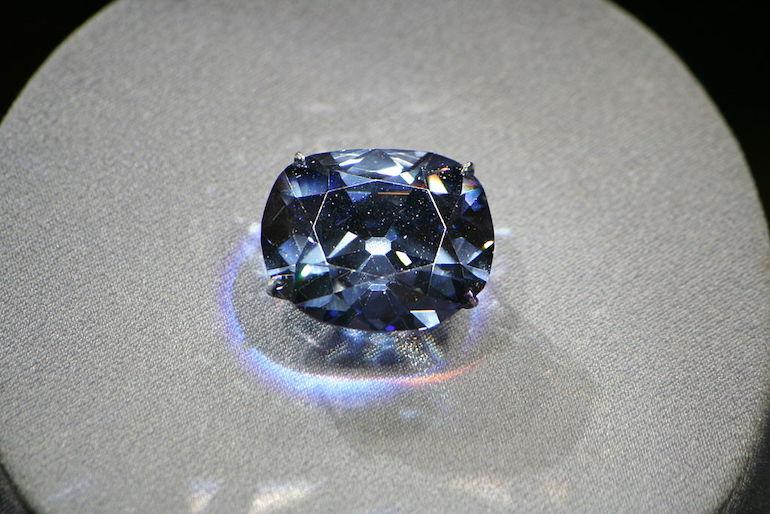 Le Bleu de France, ou Hope, diamant célèbre   Lithothérapie en Ligne
