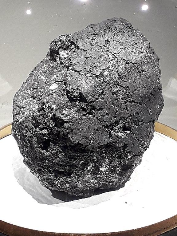 La météorite d'Orgueil, qui contient des nano-diamants   Lithothérapie en Ligne