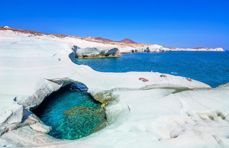L'île de Milos en Grèce, source de gisement d'obsidienne